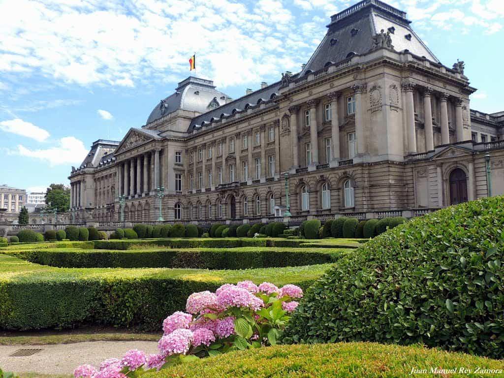 Cung điện HoàngGia