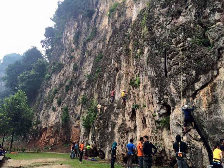 Leo núi ở Batu