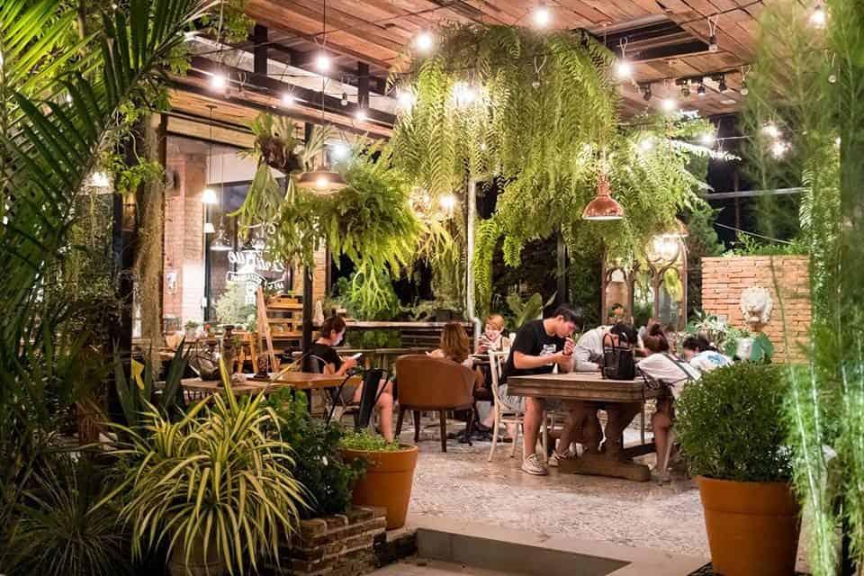 quán cà phê có phong cách ấn tượng