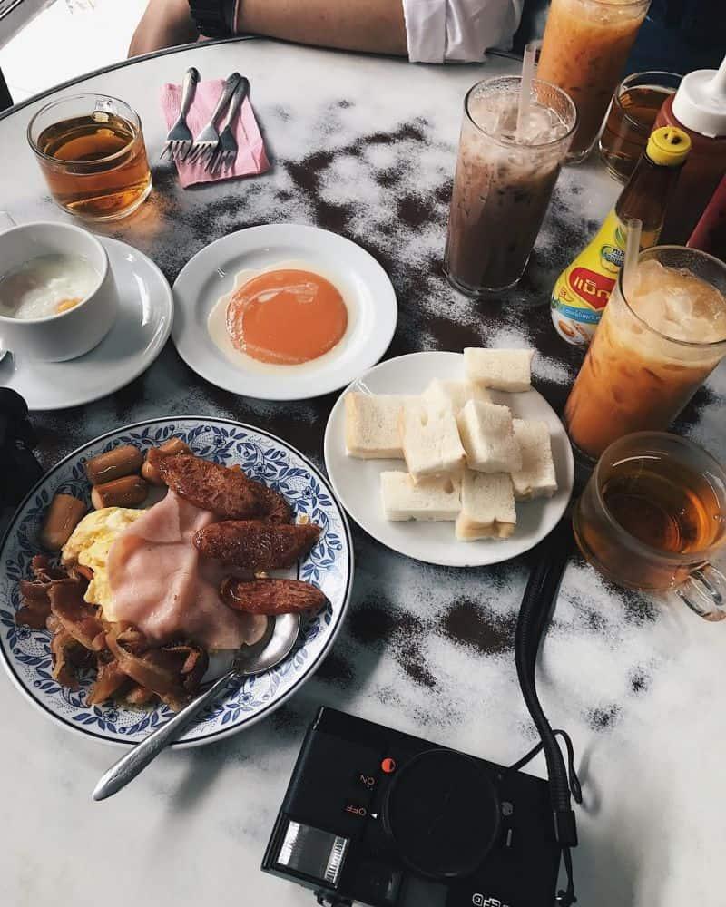 Ăn sáng tại Bangkok