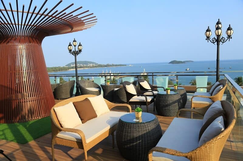 PH Rooftop Bar & Lounge Phú Quốc