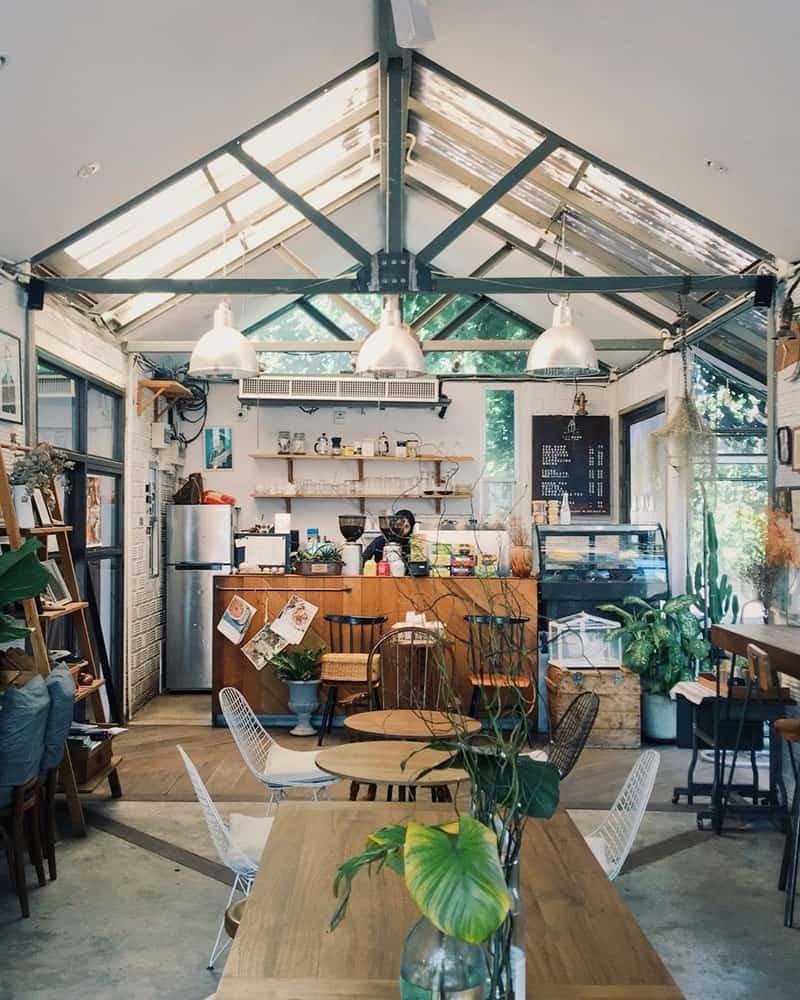 Quán cafe được đầu tư mạnh về mặt trang trí
