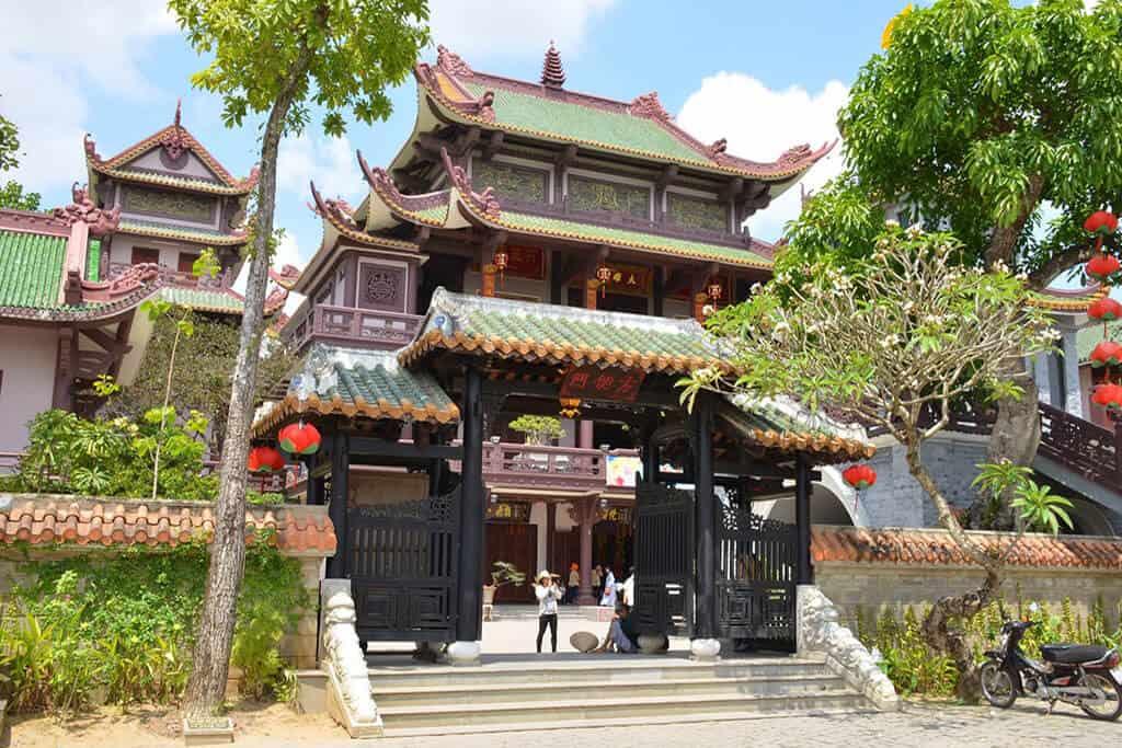Viếng chùa Bảo Lâm