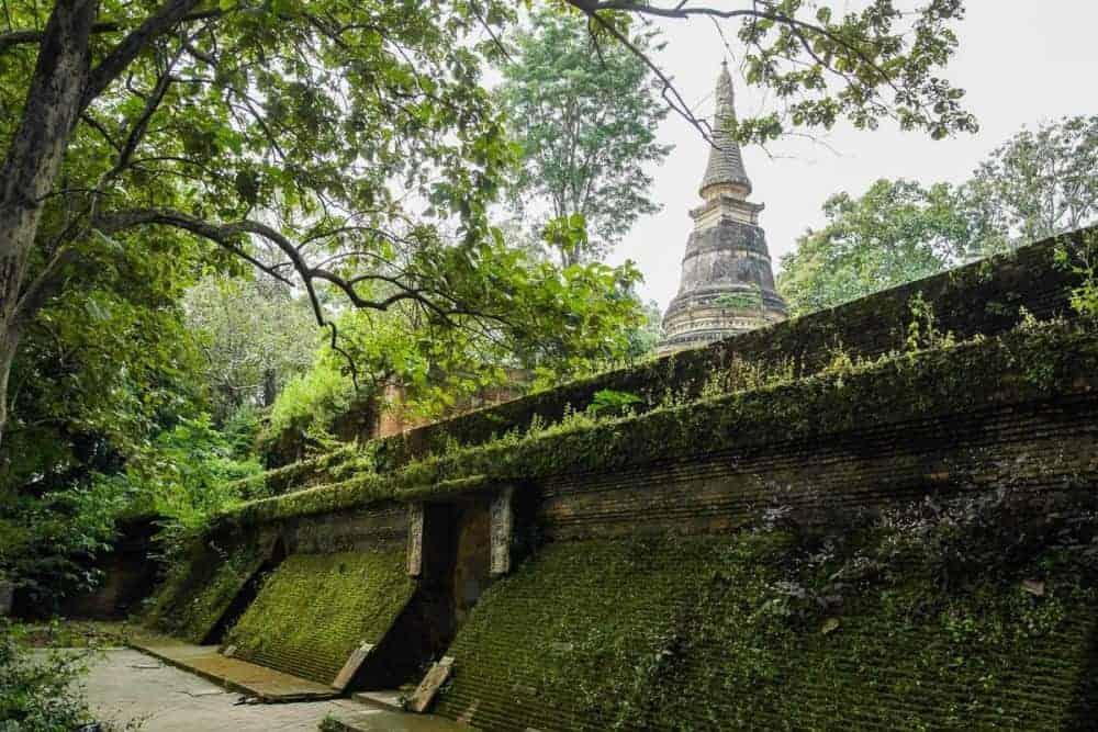 Ngôi chùa cổ kính Umong