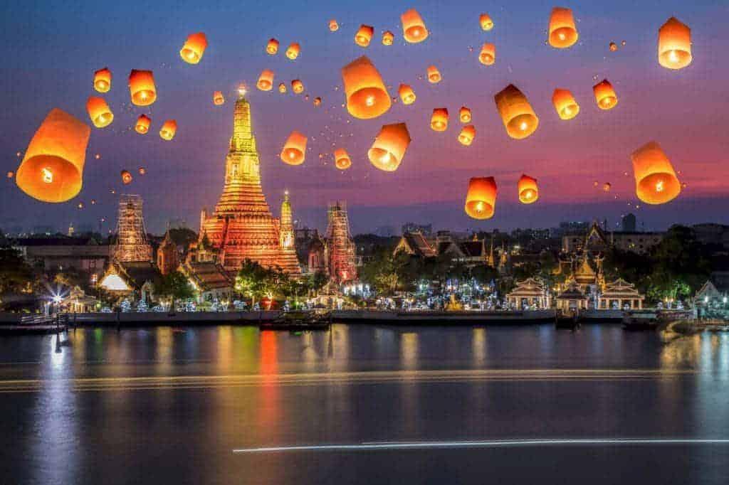Lễ hội Loy Krathong thích hợp cho các cặp đôi