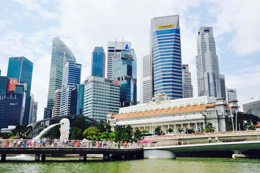 du-thyen-tren-song-singapore-1