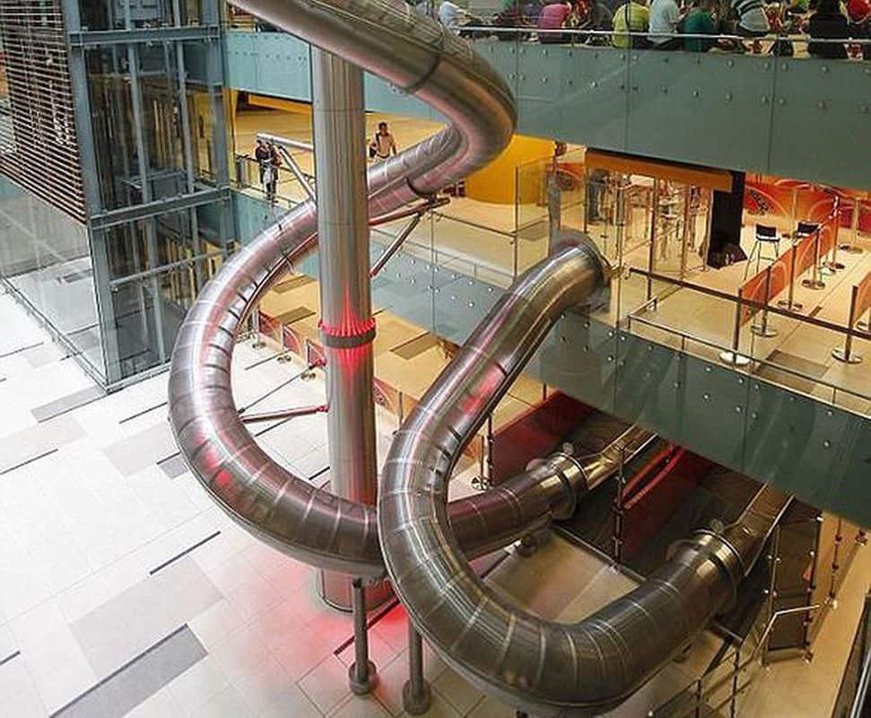 Máng trượt 4 tầng tại Jewel Changi