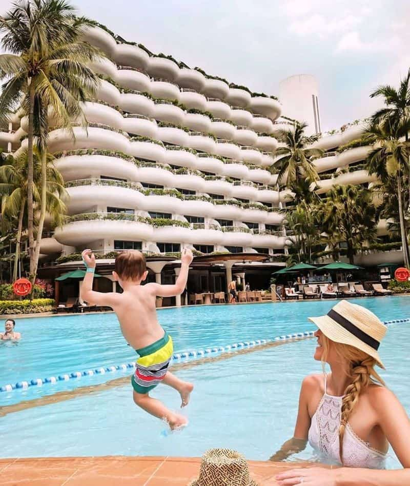 Bể bơi Shangri - la Hotel Singapore