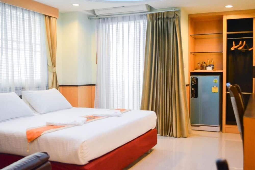 khách sạn gần chợ Pratunam