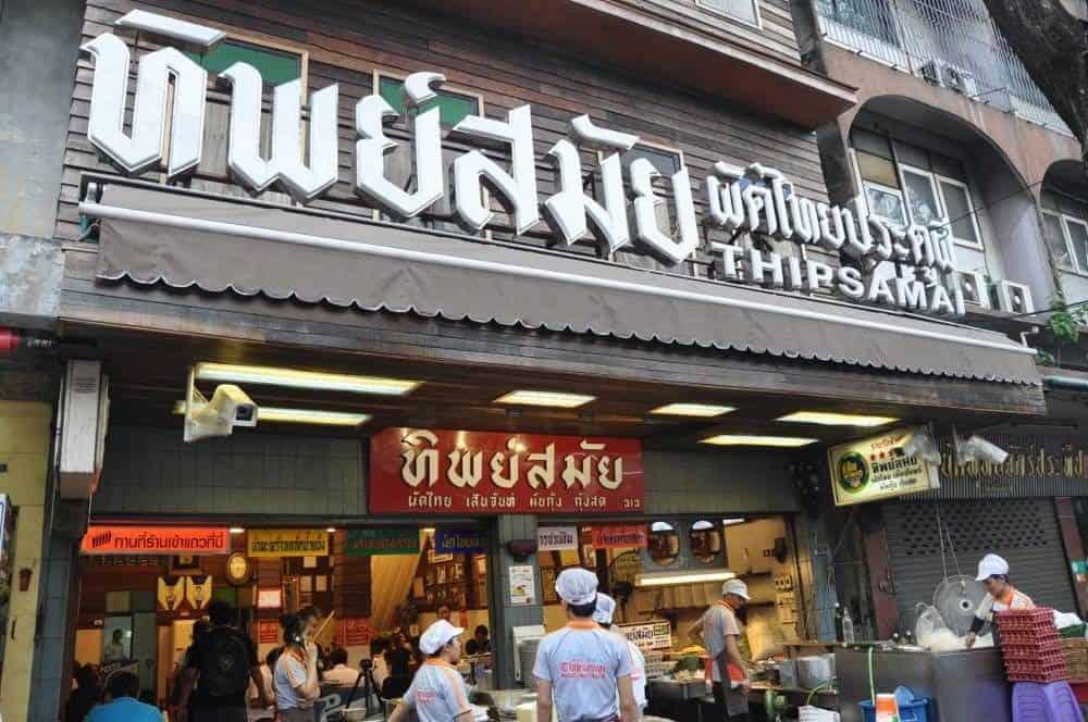 Thử món Pad Thai ở bangkok