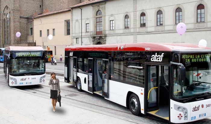 Di chuyển bằng xe buýt nhanh chóng và thuận tiện.