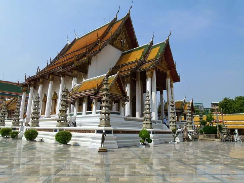 Wat Suthat ở Bangkok Thái Lan