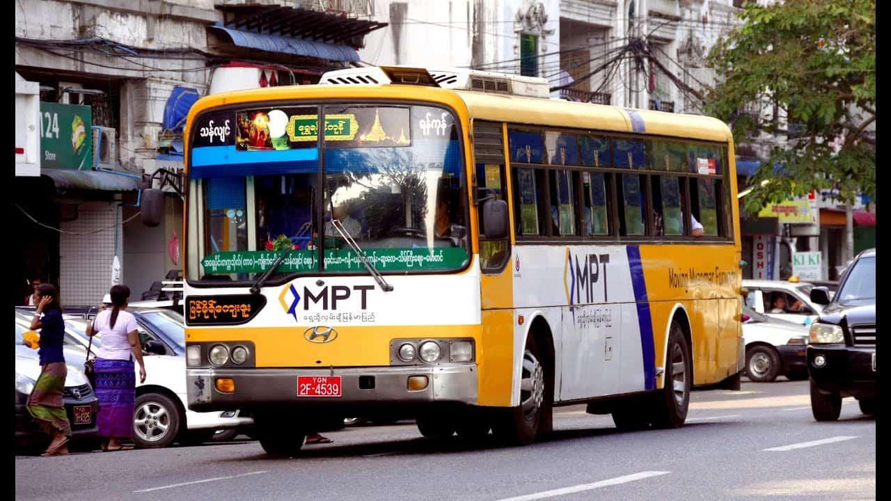 Xe bus ở Myanmar là phưng tiện công cộng phổ biến