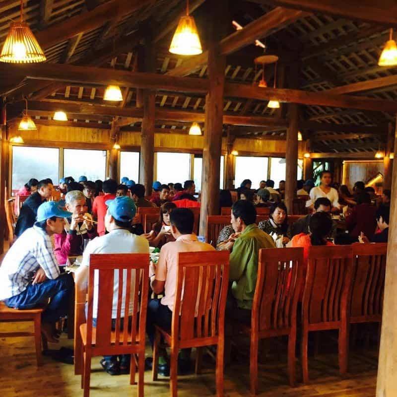 nhà hàng rừng xanh sapa