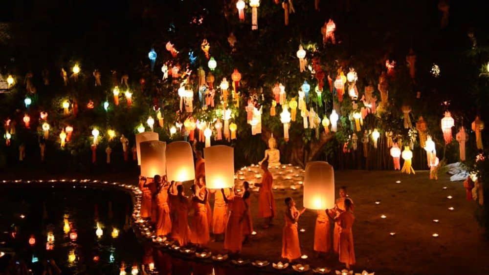 lễ hội đèn trời ở Chiang Mai