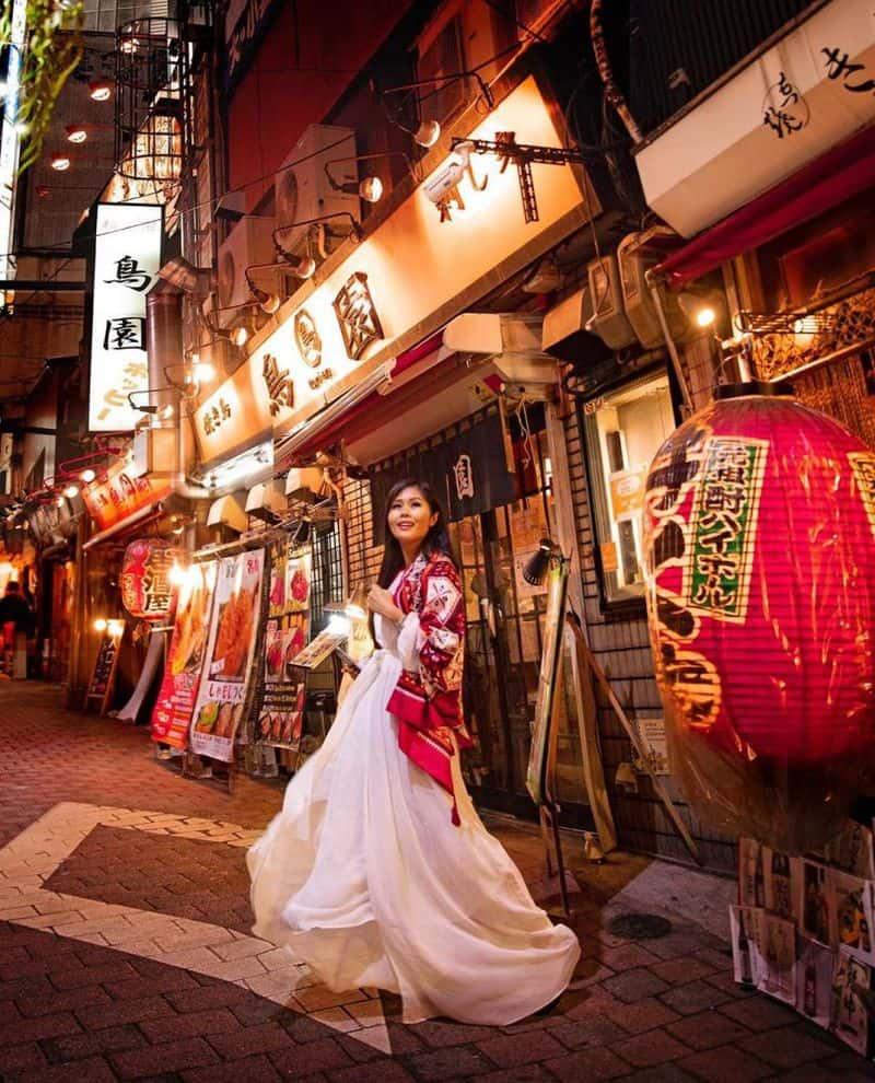 Khu ẩm thực Omoide Yokocho