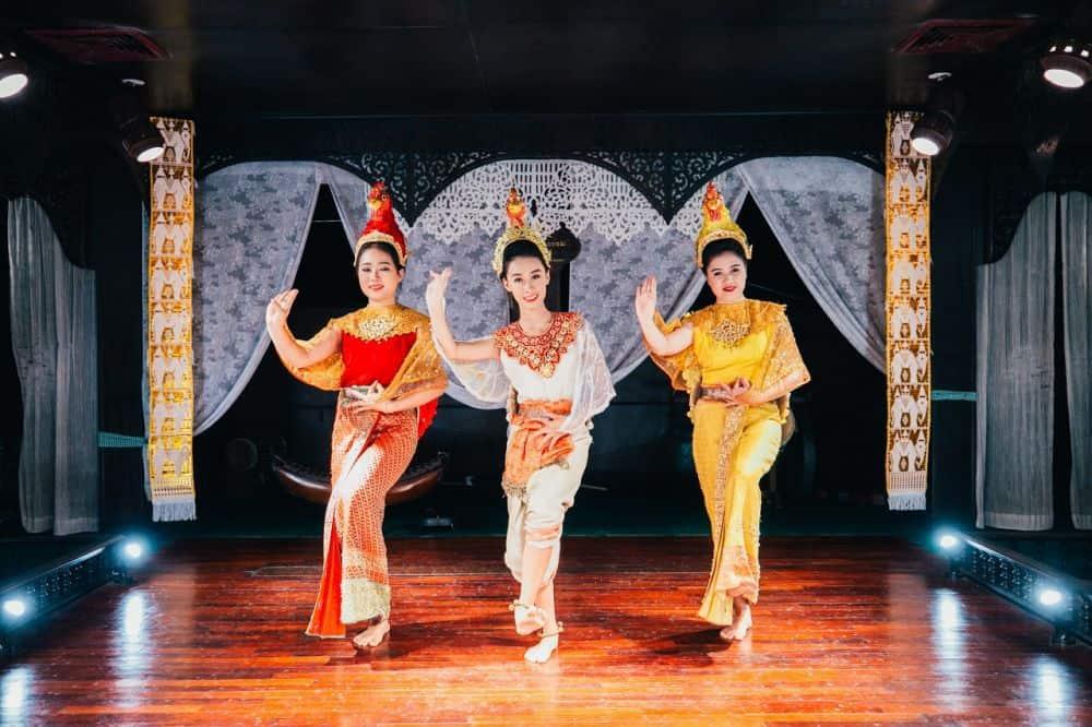Buổi biểu diễn truyền thống