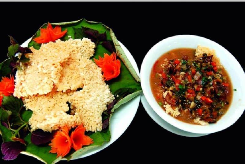 Cơm cháy - Món ăn vặt nổi tiếng khi du lịch Tràng An