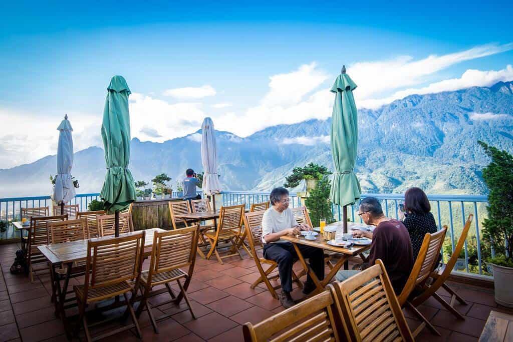 Không gian khách sạn Sunny Mountain