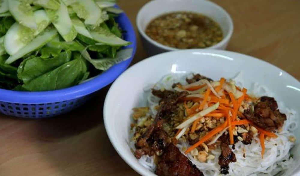 Món nướng Đà Lạt - Bún thịt nướng phiên bản bún chả Hà Nội