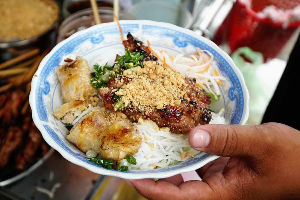 bún thịt nướng phiên bản bún chả Hà Nội