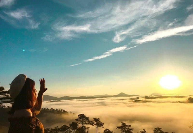 Ngắm bình minh tại đồi Đa Phú