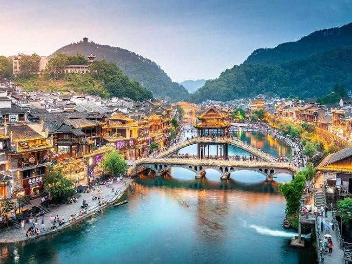 Tour Trương Gia Giới – Thiên Môn Sơn - Phượng Hoàng Cổ Trấn – Phù Dung Trấn – Vũ Lăng Nguyên