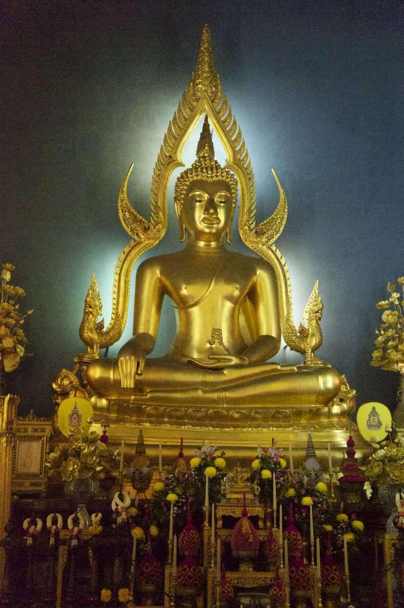 Tượng Phật Shinnarat thuộc Phitsanulok