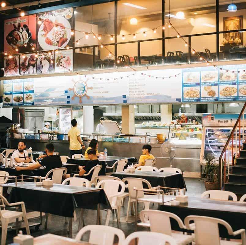 Không gian nhà hàng Marine Seafood