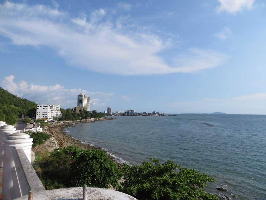 Bãi biển Bang Saen