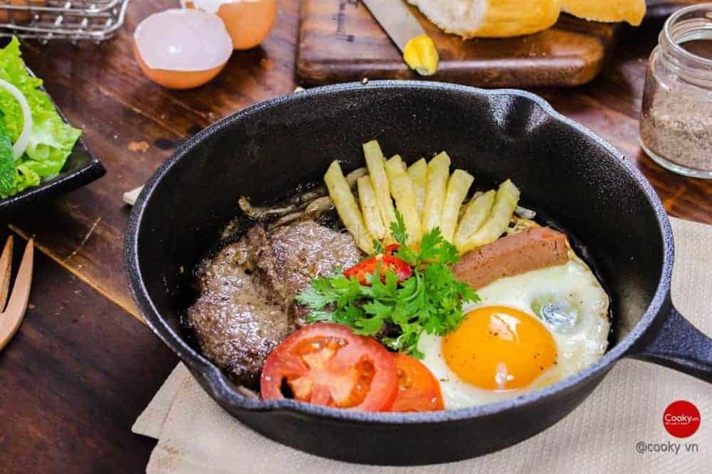 Ăn sáng tại quán Ben
