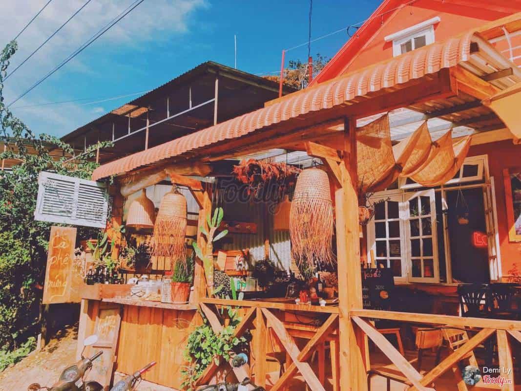 Quán cafe cổ tích Tiệm Táo Đỏ