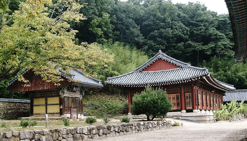 Một góc chùa Yugasa