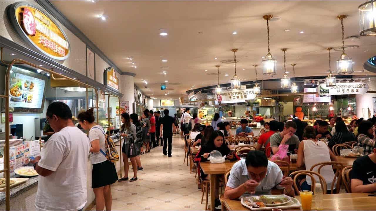 Sự đông khách ở Opera Food