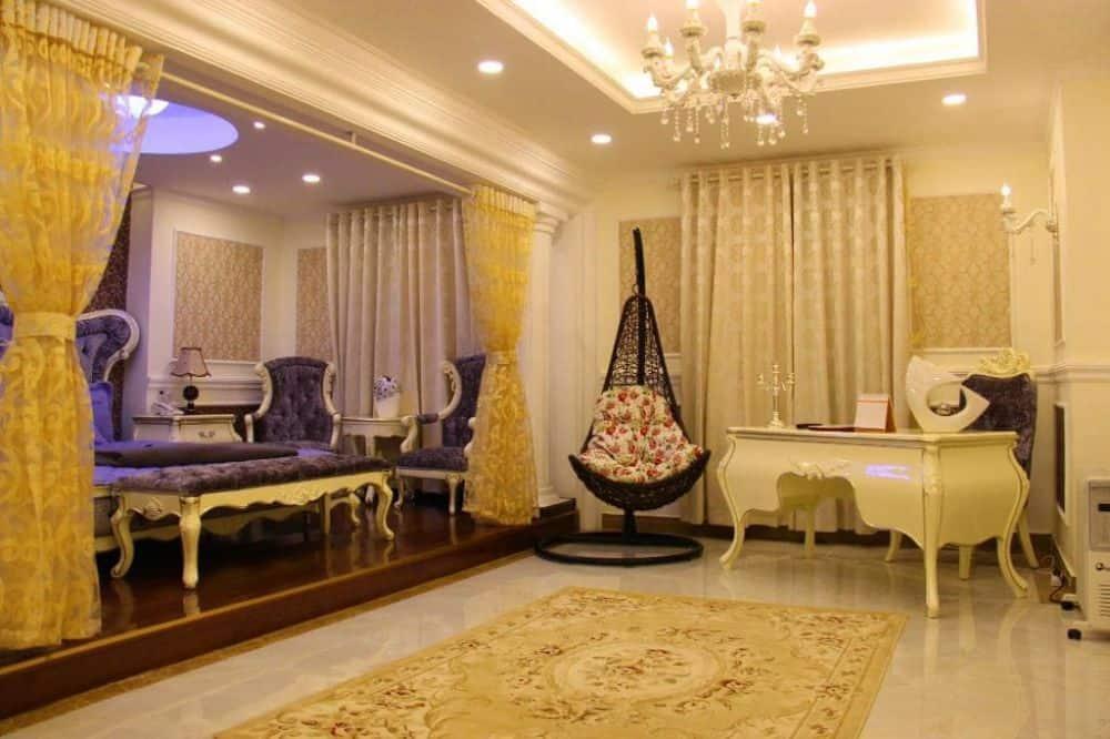 khách sạn Royal Dalat Hotel gần chợ đà lạt