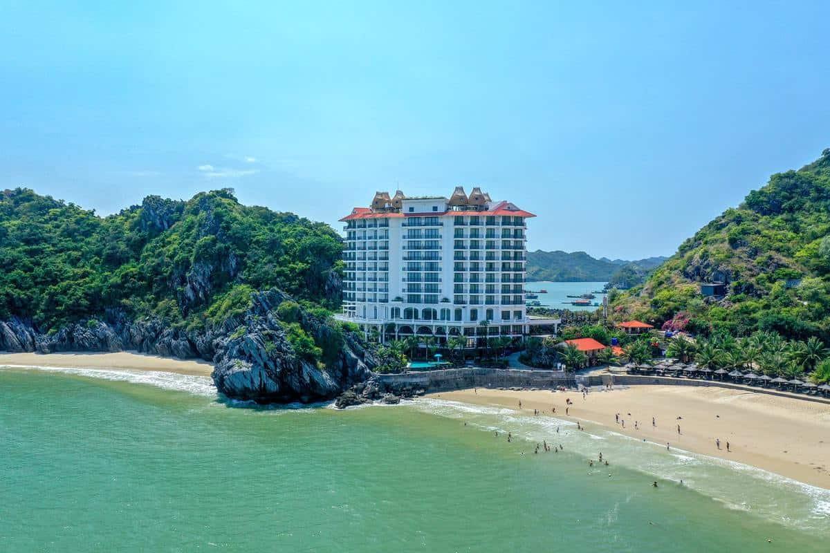 Khách sạn ở Cát Bà