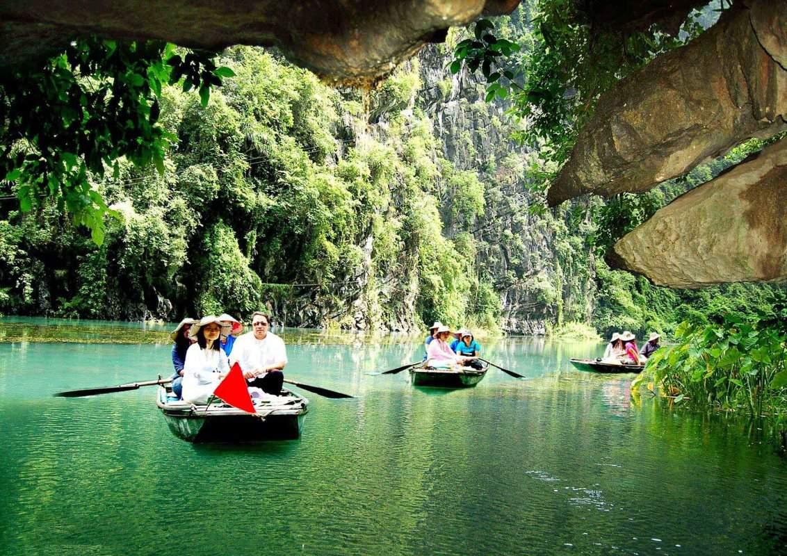 Khu du lịch Kênh Gà Vân Trình - Tràng An Ninh Bình có gì chơi?