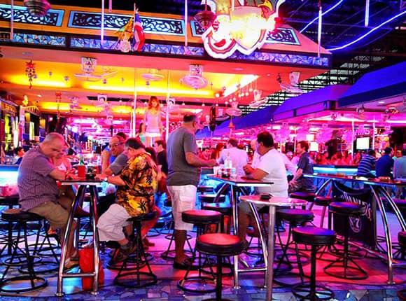Pattaya về đêm có gì chơi?
