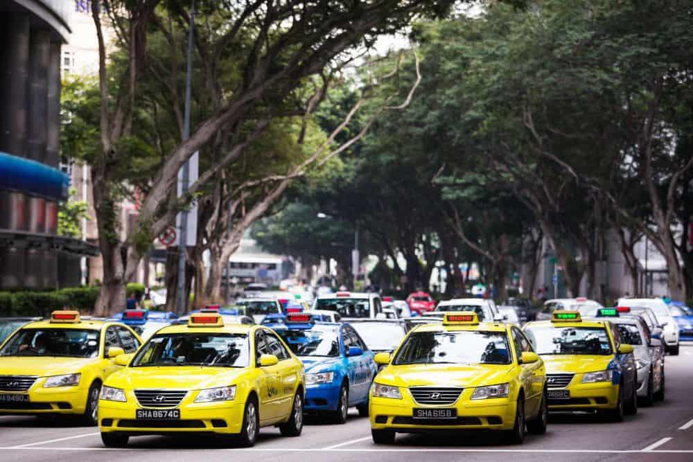 Di chuyển ở Malaysia bằng taxi