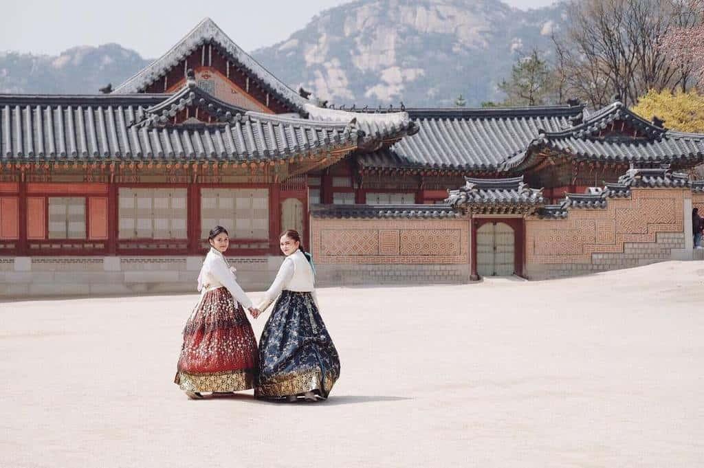 Giá vé tham quan cung điện Gyeongbokgung Hàn Quốc