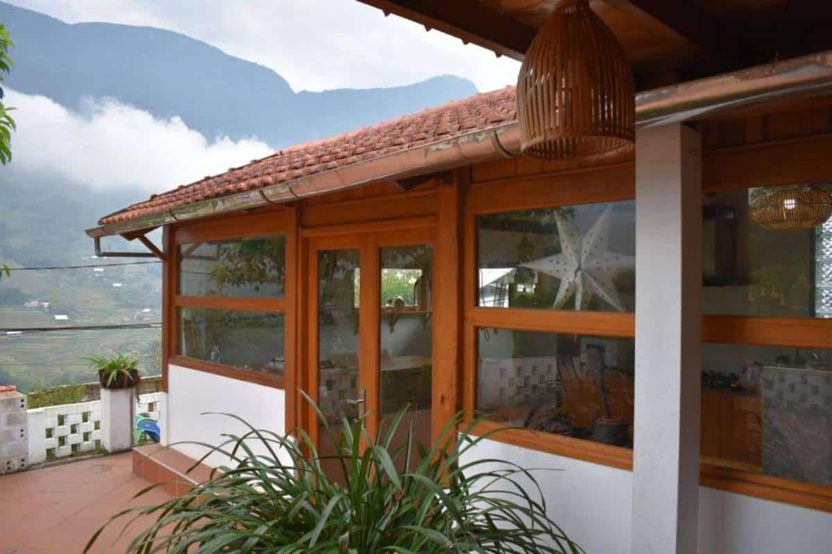 Luckydaisy's Buffalow House Sapa (1)