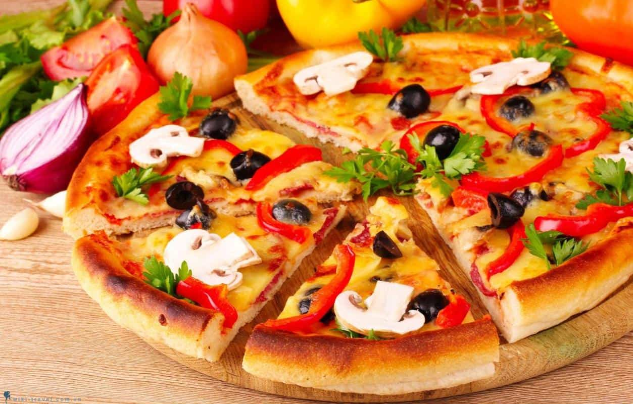 Ăn pizza mote đà nẵng