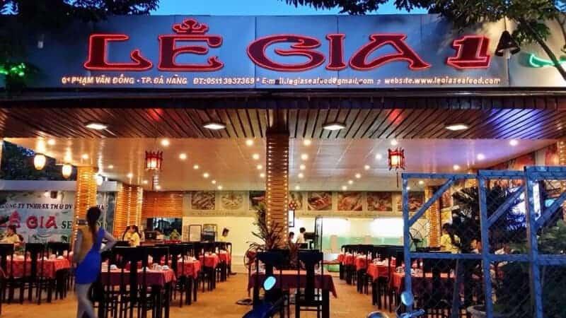 Ăn lẩu tại nhà hàng Lê Gia Đà Nẵng
