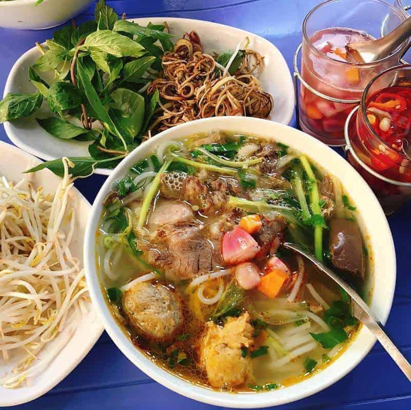 Đi ăn tối ở Đà Nẵng