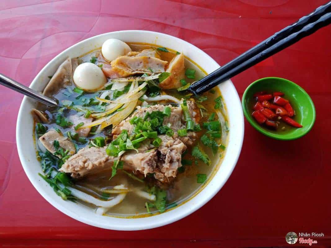 bánh canh Ruộng Hà Thị Thân