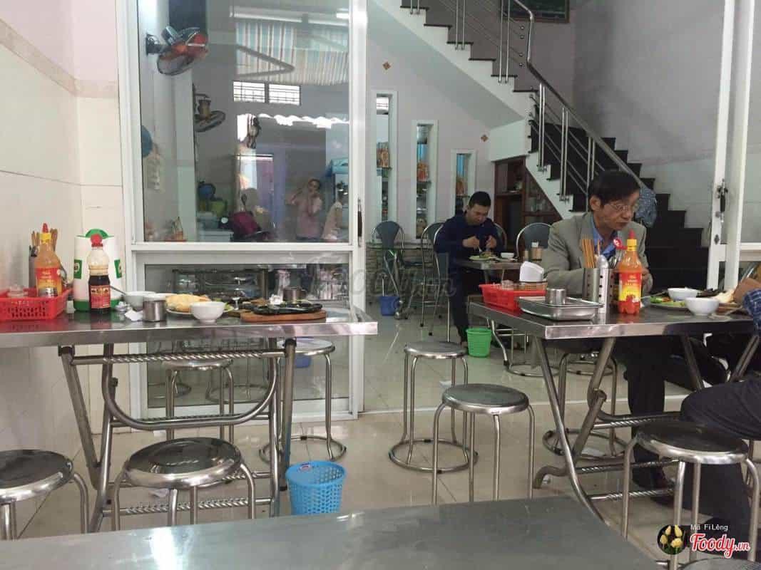 Không gian quán ăn sáng 209 Bế Văn Đàn