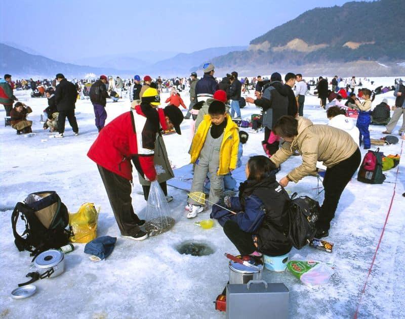 Lễ hội câu cá trên băng Hwacheon