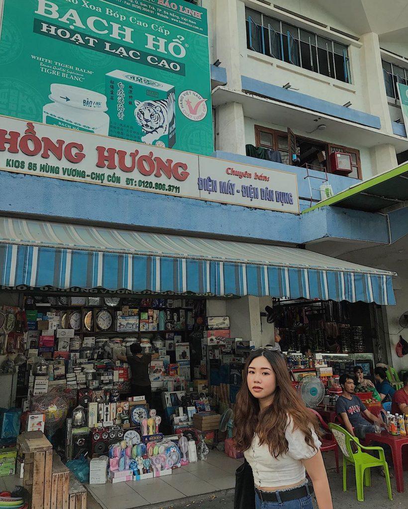 khu chợ bán đa dạng mặt hàng