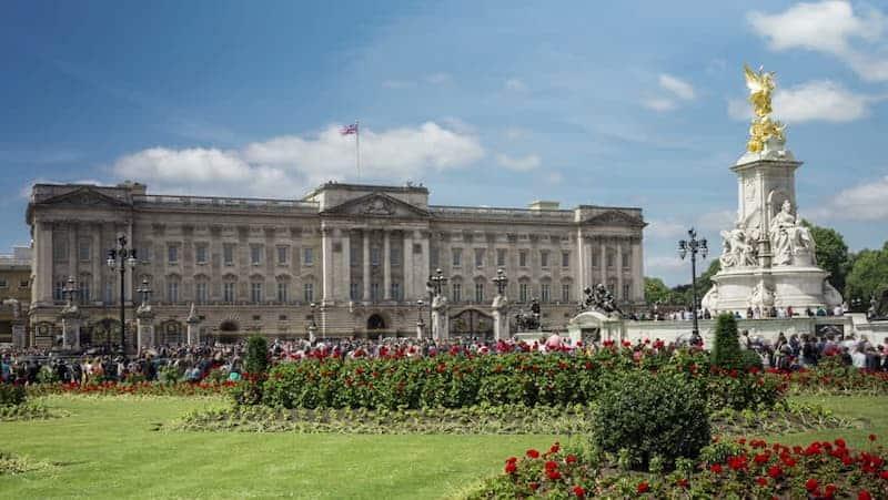 Cung điện hoàng gia Anh