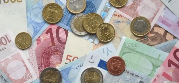 đi du lịch Châu Âu được mang bao nhiêu tiền